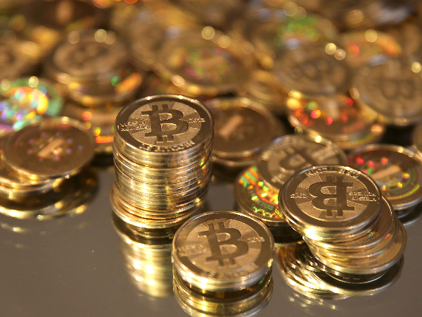Bitcoin prices hit a new high: valued at $33K as of now ...